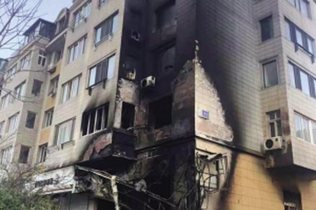 中山区七星街一居民楼一楼公建起火 二楼三楼都被烧了