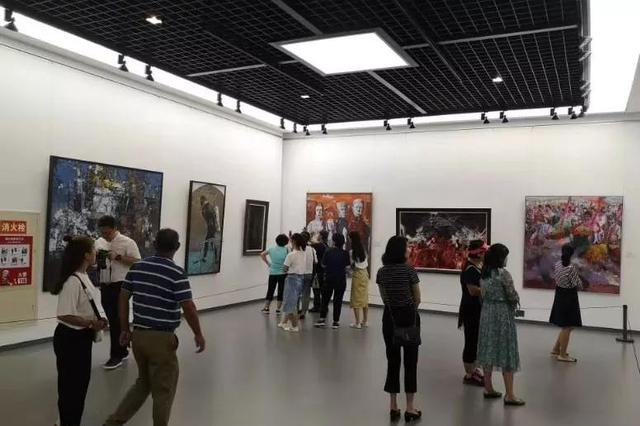庆祝中华人民共和国成立70周年美术、书法、摄影作品展开幕