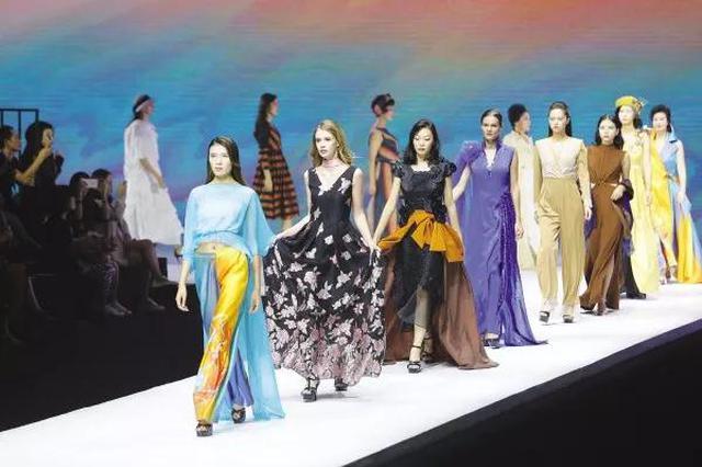 2019中国(大连)国际服装纺织品博览会启幕首日精彩纷呈