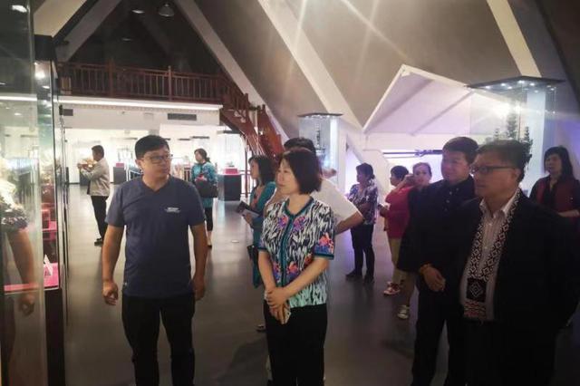 辛寨子街道迎接台湾工商代表团参观考察