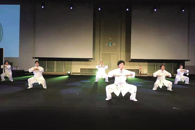 大连老年人在日本展示健康运动获赞