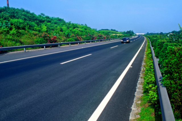 大连部分路段专项治堵 改善通行状况