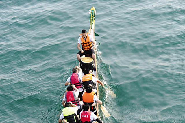 大连海上运动会搅热星海湾