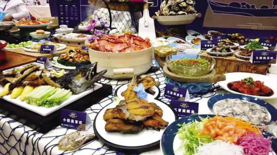 海鲜大餐好吃又好看。图据大连发布