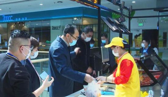 区委常委、常务副区长刘述新参加调研。
