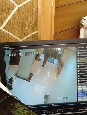 酒店监控内王安琪凌晨离开。
