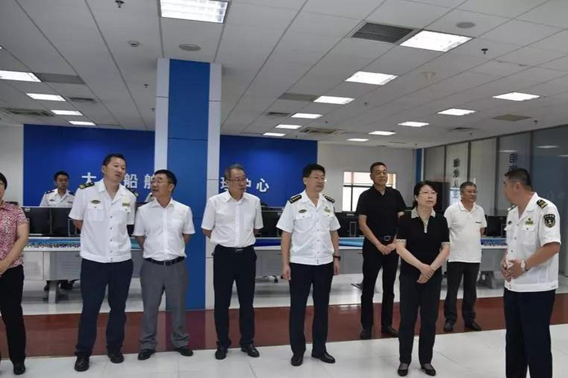大连海事法院院长邓妍一行到辽宁省海事局走访调研