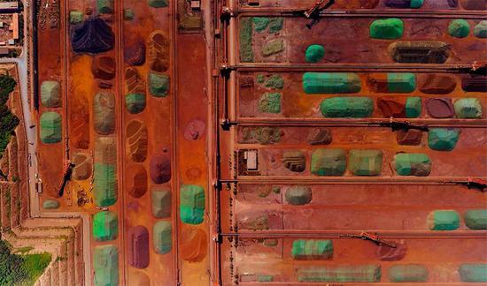别致的油画 - 矿石码头。