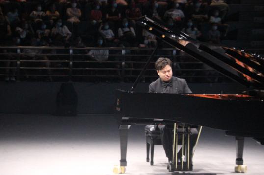 沈久茗钢琴独奏音乐会在大连武术文化博物馆激情奏响