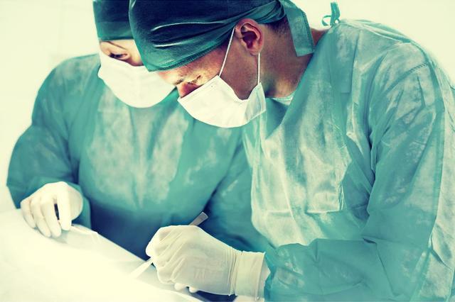 22岁少女切除巨大血管瘤保住生命