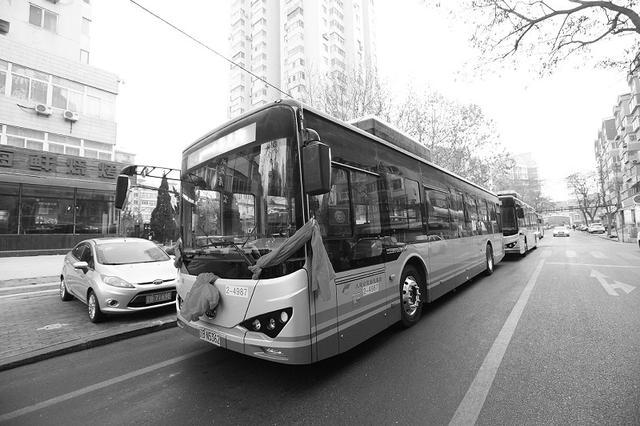 22辆纯电动新能源公交车上路