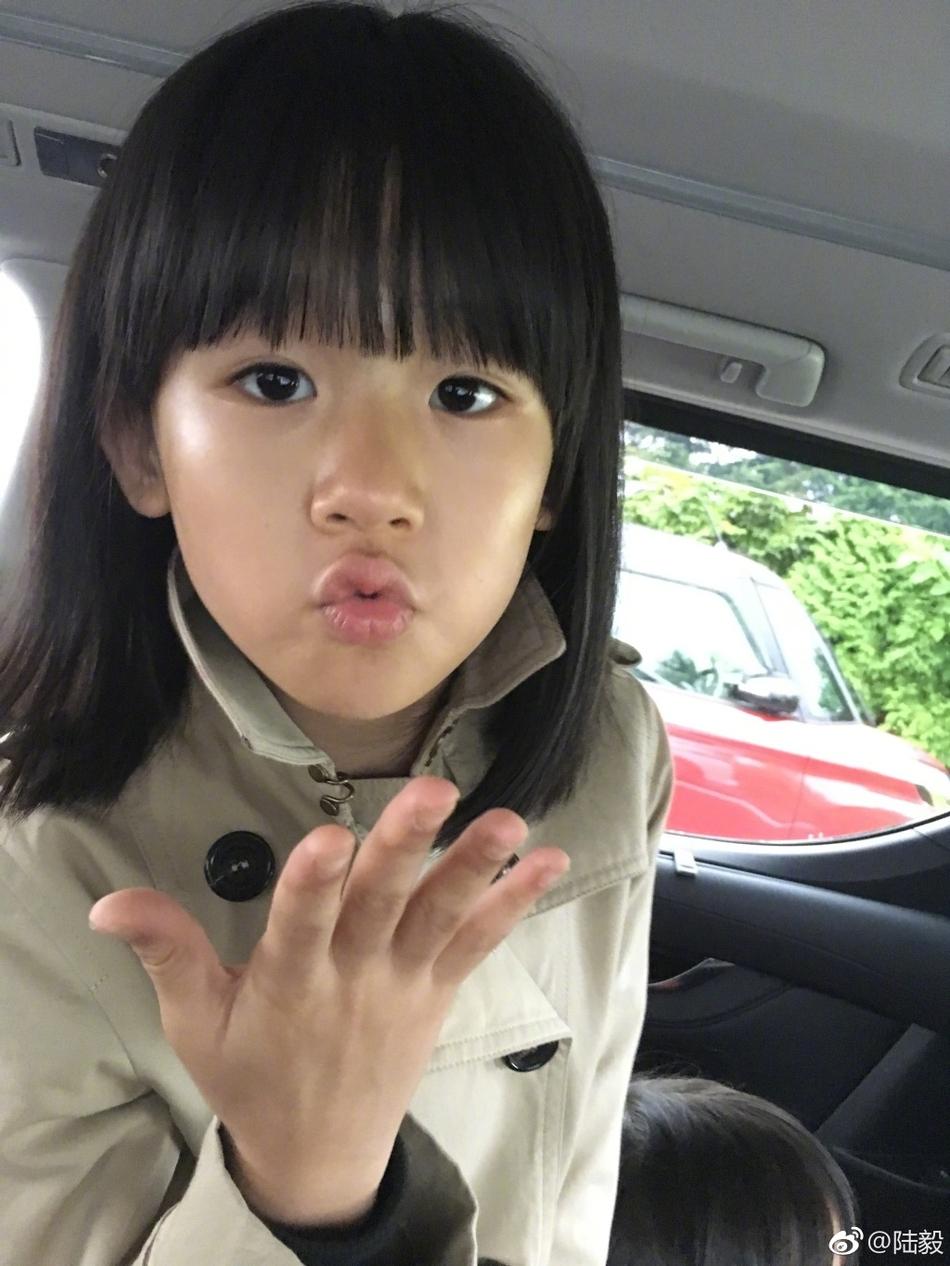 女庆生 9岁的贝儿越来越美