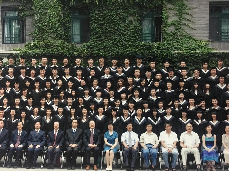 王凯大学毕业照
