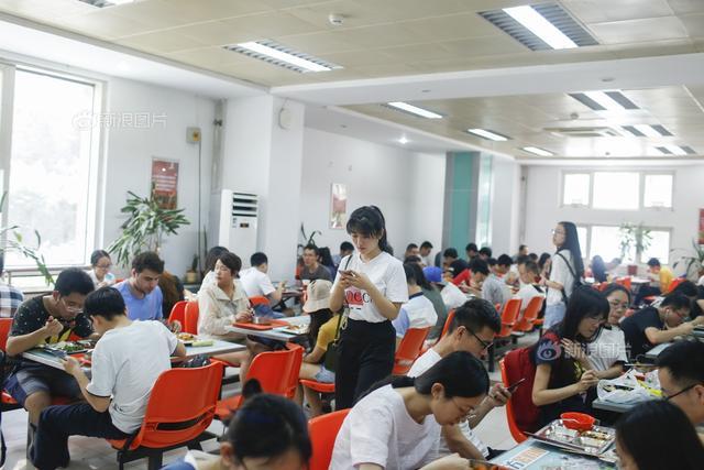 毛坦厂中学:今年高考不安排送考活动