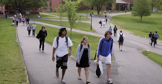 低龄留学美国高中生需要具的备4项技能并不容易