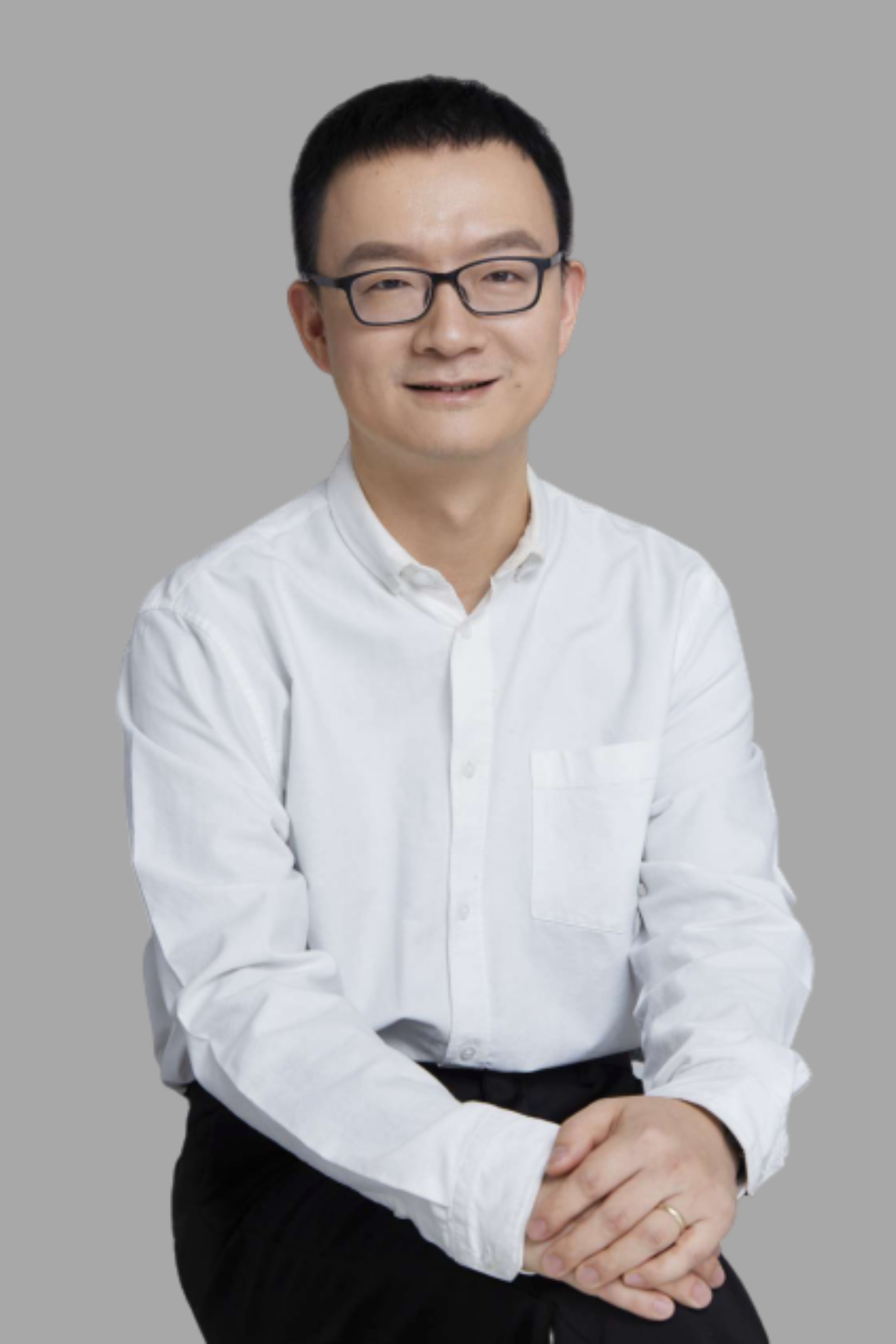 王立銘 清華大學天體物理碩士、經濟學博士 童行學院聯合創始人