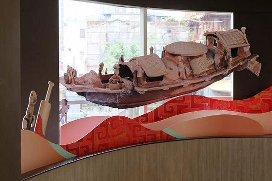 广州肯德基的东汉陶船