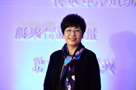 图:张旭玲副院长
