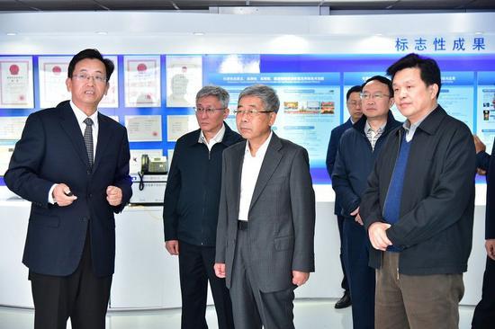 教育部党组书记、部长陈宝生到北京邮电大学调研