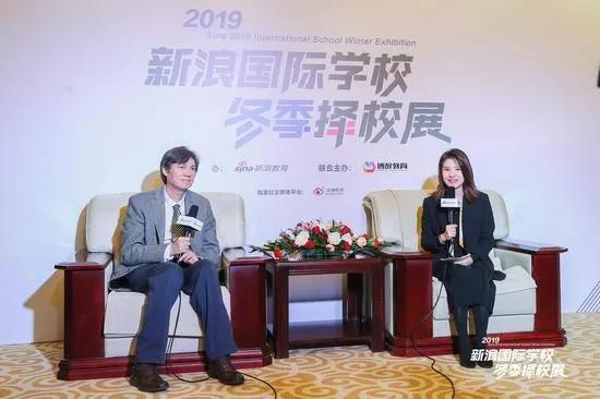 君诚学校总校长 陈晓民博士(左)