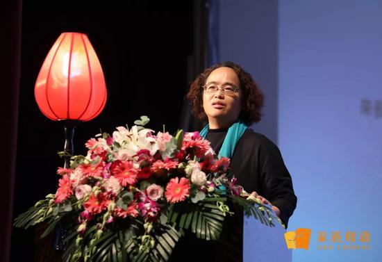 亲近母语创始人徐冬梅女士在2019儿童母语教育论坛上发表主题演讲