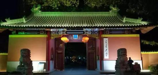 上海交通大学徐汇校区东门。 上海文保分局 供图