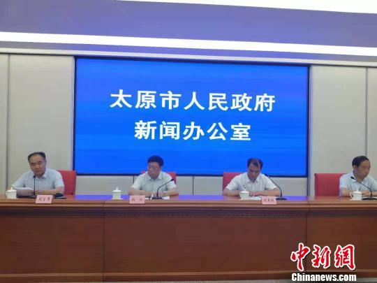 山西太原首次面向海内外招聘聘任制公务员。 杨佩佩 摄