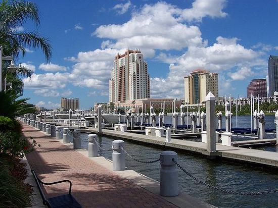 1。 Tampa, FL