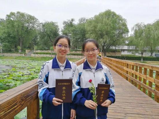 北京一零一中学侯依桐、侯依杨姐妹