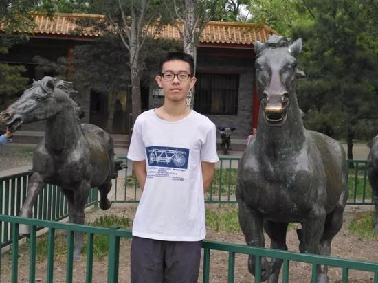 中国人民大学附属中学刘浩宇