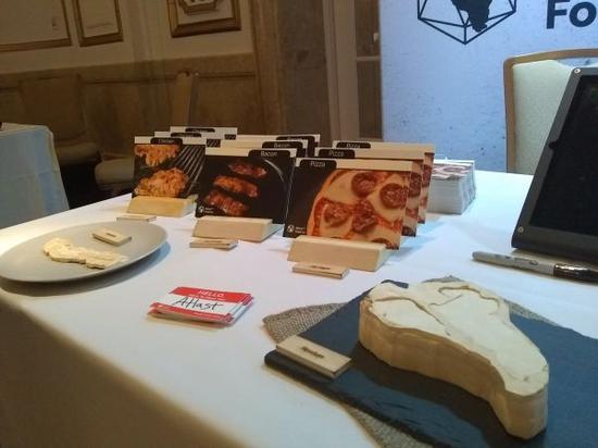 """""""优质食品大会""""上展出的用蘑菇生产的人造肉(法新社)"""