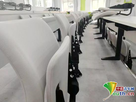 360度旋转座椅。四川大学教务处供图