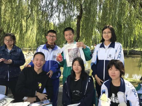 北京一零一中首届校园文化创意大赛冠军被清华美院录取