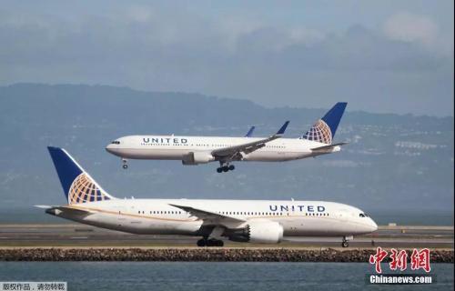 资料图片:美联航客机。