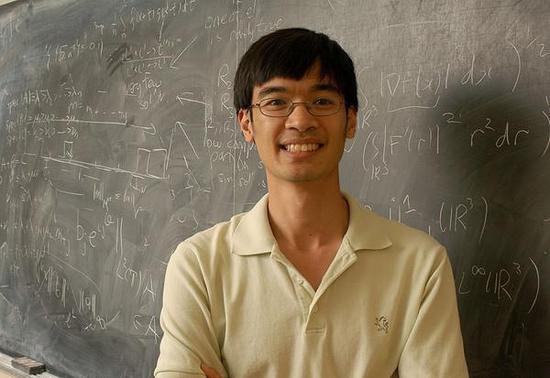 华裔数学家智商230超过爱因斯坦 破世界记录