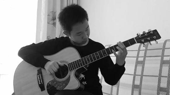 """""""网红""""吉他少年的音乐世界"""