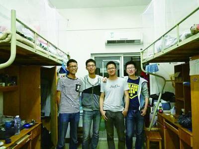 男学霸一寝室4人同上研究生