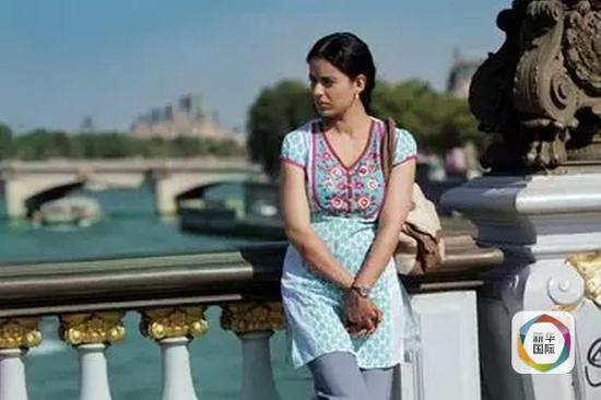 凑巧的是,饰演拉尼的宝莱坞女星康贾娜·拉瑙特就像她饰演的角色一样,直面宝莱坞男权。