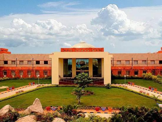 BITS位于印度拉贾斯坦邦的一个小镇皮拉尼(Pilani),小镇总人口3万左右。