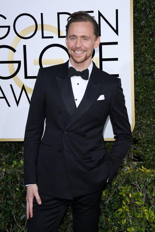 抖森(汤姆•希德勒斯顿)曾是最被看好的邦德人选,现在看来抖森的粉丝们该失望了。图为抖森出席2017金球奖红毯。