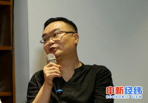 知名评论人、财经专栏作家石述思 中新经纬 刘雪滢摄