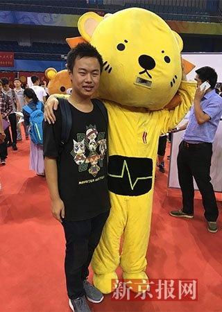 北京市理科高考状元李宇轩今日北大报到。新京报记者 王俊 摄
