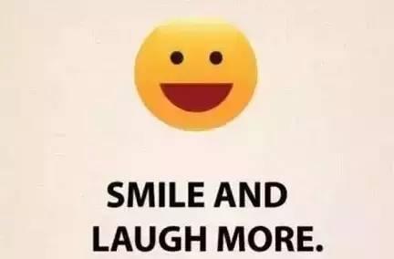 1. 面带微笑。