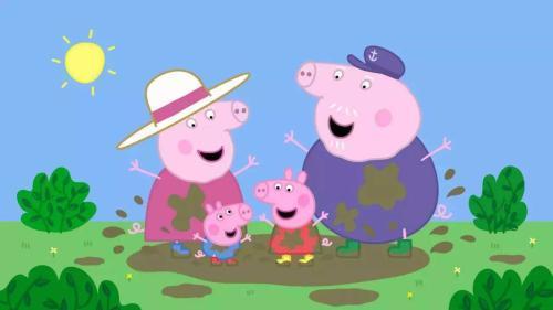 小猪佩奇一家在跳泥坑