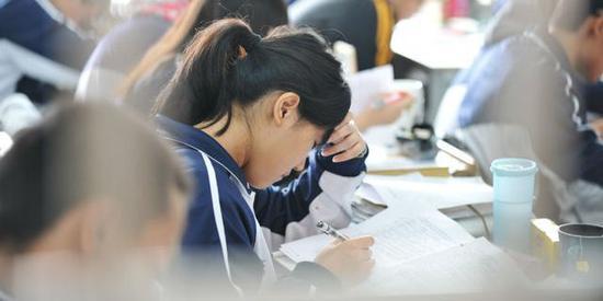 """高三老师谈备考:自律能力很差就会被""""废""""掉"""