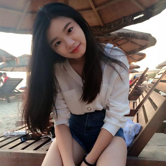 1995年出生的李清是位湖南妹子