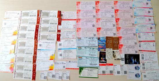 339宿舍收集的话剧、歌剧、舞剧等演出票的一部分