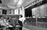 艺校副校长收家长40万替差生寻枪手替考获刑。