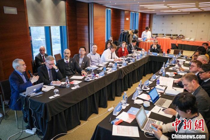 """第25届联合国气候变化大会于12月2日至13日在马德里举行。期间,世界大学气候变化联盟举行了""""关于碳中和技术的多边研究项目""""的学术会议。来自12所世界大学气候变化联盟(Global Alliance of Universities on Climate,GAUC)高校的教授出席会议就碳中和合作研究进行了深入研讨"""