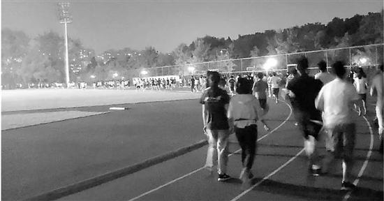 浙大体育课改:每学期学生需跑超百公里